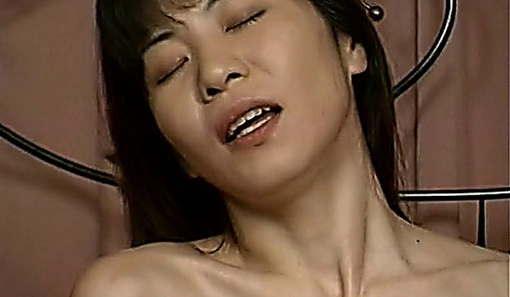 Asian - Mature Japanese Lesbian Threesome (uncensored)