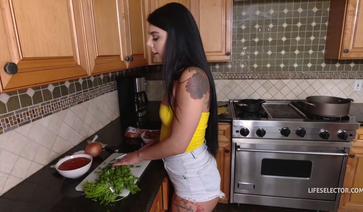 How I Met My Girlfriend Gina Valentina